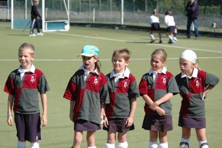 L'équipe de filles avec Thibaut avant les matchs