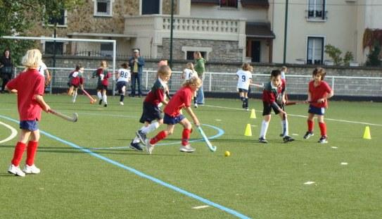 Thibaut et Robin défendent le but contre une redoutable équipe de Stade Francais